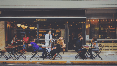 What to Look for in a Food Runner for Your Restaurant
